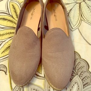 Indigo Rd Taupe Heather style loafers size 7.5